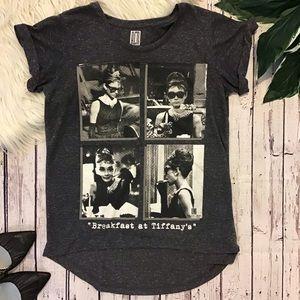 Red carpet noir Audrey Hepburn Small T-shirt